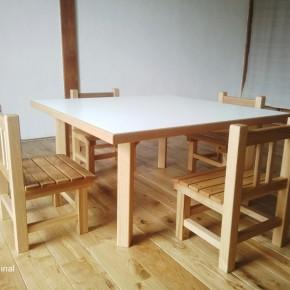 保育園・テーブル椅子
